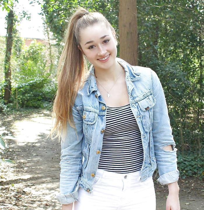 UrFeshmanGirl uit Zuid-Holland,Nederland